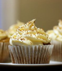 DREAM COMBINATION ... Banoffee Cupcakes with Dulce de Leche & Cream Cheese Frosting #cupcake #recipe