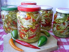 Canning Pickles, Romanian Food, Romanian Recipes, Canning Recipes, Mason Jars, Diy And Crafts, Food And Drink, Stuffed Peppers, Homemade