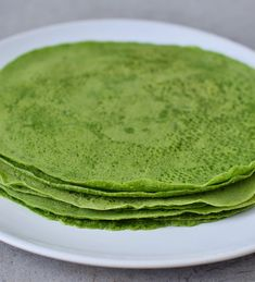 Spinach Tortillas Recipe gluten-free, healthy, vegan - Elavegan - Homemade spinach tortillas with 3 ingredients (chickpea flour, tapioca flour, spinach). The recipe - Raw Food Recipes, Veggie Recipes, Mexican Food Recipes, Vegetarian Recipes, Healthy Tortilla, Tortilla Recipe, Spinach Tortilla Wraps, Vegan Foods, Vegan Dishes