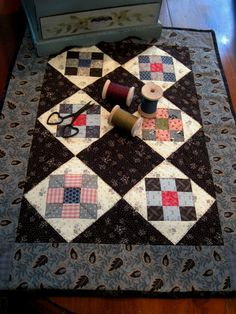 Eliza Jane doll quilt pattern by Kathleen Tracy http://www.countrylanequilts.com/