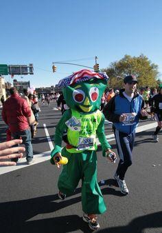 funny nyc marathon photos | 20 Funny Costumes From The NYC Marathon