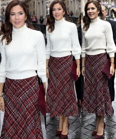 Crown Princess Mary's style in Paris Day 3 Princesa Mary, Dress Up Outfits, Chic Outfits, Fashion Outfits, Royal Dresses, Modest Dresses, Baroque Dress, Meeting Outfit, Denmark Fashion