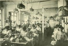Clothing factory (Les Createurs de La Mode 1910 - 66- Ateliers de Fourrures)