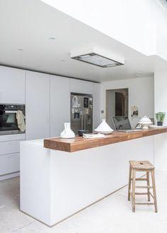 New kitchen wood bar cuisine ideas Diy Kitchen Island, Kitchen Benches, Kitchen Sets, Kitchen Living, New Kitchen, Kitchen Wood, Wooden Benchtop Kitchen, Kitchen Bar Counter, Kitchen Peninsula