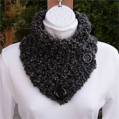 Thick Black  Gray Tweed NECK WARMER SCARF, Buttoned Cowl with Black Buttons   Extremely soft black  gray neck warmer with large black buttons. I used Homespun yarn - a yarn that has a loosely spun, wavy strand that creates a unique texture and appearance.   The Thick N Quick line of yarn is new from Homespun. Im extremely happy with it since its not only thick and warm, but lightweight and unbelievably smooth. Regular Homespun yarns make a crocheted fabric about 1/4 inch thick while this…
