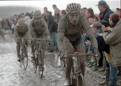 George Hincapie racing in the Paris-Roubaix. Also know as the Hell of the North.------i love a man who bikes Paris Roubaix, New Bicycle, Bicycle Race, Bike Rides, Cycling Art, Cycling Bikes, Cycling Quotes, Cycling Jerseys, Road Bikes