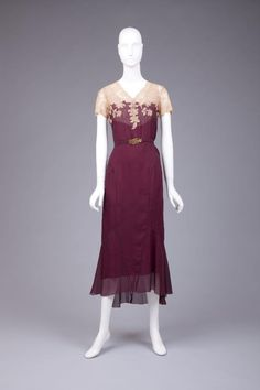 Such a stunning dress | 1930