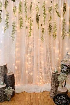 Enchanted Forest Party Theme Ideas for Kids' Birthday 40 + Enchanted Forest Party-Themenideen zum Kindergeburtstag Forest Party, Woodland Party, Woodland Forest, Forest Wedding, Enchanted Forest Prom, Enchanted Forest Bedroom, Enchanted Forest Decorations, Enchanted Evening, Enchanted Garden