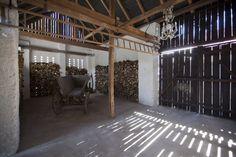 Barn with crystal chandelier - Barn in Bohemia, architect Jitka Macáková