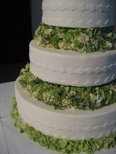 Blumendeko für die Hochzeitstorte Cupcakes, Desserts, Food, Wedding Pie Table, Pies, Tailgate Desserts, Cup Cakes, Dessert, Postres
