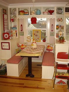 Cute little #retro #breakfast #nook