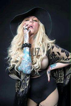 Maria Brink ~ In This Moment Maria Brink, Heavy Metal Girl, Women Of Rock, Rocker Girl, Music Is My Escape, Badass Women, Female Singers, Gorgeous Women, Blondes