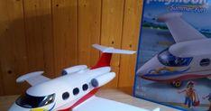 Unboxing Avión de pasajeros 6081 de playmobil 4-10 de la línea Summer Fun. PIEZAS:  Avión  Piloto y 2 pasajeros. 2 tazas Una maleta  Un bolso