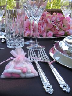 Breast Cancer Tablescape......... She is so talented!