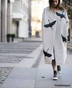 Пальто надела, полетела…