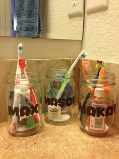 Kids bath {Bathroom Organization}: Repurpose mason jars to organize and store bathroom supplies Mason Jar Bathroom, Bathroom Kids, Mason Jars, Bathroom Stuff, Teen Bathrooms, Shared Bathroom, Bathroom Hacks, Washroom, Boys Bathroom Themes