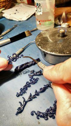 Wax Carving, jugando e improvisando ... Jewelry Model, Jewelry Tools, Jewelry Crafts, Jewelry Art, Handmade Jewelry, Jewelry Design, Jewelry Making, Wax Carving, Modelista