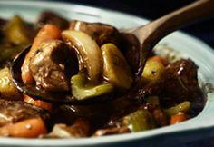 ***Ragoût de boeuf à la mijoteuse/Coup de pouce/Cette recette est délicieuse/patates grelots: modifié 3 tasses carottes, 1 morceau poireau/1000ml liquide en tout/ 1 paquet champignons frais coupés /en 2 à mi-temps, du sel,du curcuma et poivre de cayenne; cuire  1.5 hres à hi et 4.5 à low