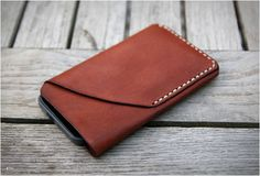 another cool iPhone case. - iPhone 5 Handmade Leather Case iPhone sleeve with card holder. Iphone 4, Iphone Cases, Leather Wallet Pattern, Leather Projects, Leather Crafts, Iphone Leather Case, Leather Accessories, Natural Leather, Clipart
