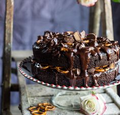 The 75 All-Time Best Chocolate Recipes Chocolate Almond Cake, Chocolate Yogurt, Amazing Chocolate Cake Recipe, Chocolate Peanut Butter Cups, Frozen Chocolate, Almond Cakes, Chocolate Recipes, Chocolate Cakes, Frosting Recipes