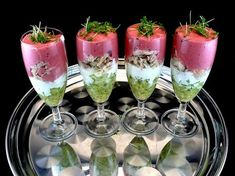 Geräucherte Forelle mit Rote Beete - Vorspeise mit Forelle Starter: smoked trout with beetroot, cucumber and a little horseradish Rezepte Appetizer Dips, Appetizers For Party, Appetizer Recipes, Fruit Recipes, Fish Recipes, Snack Recipes, Shrimp Recipes, Easy Snacks, Healthy Snacks