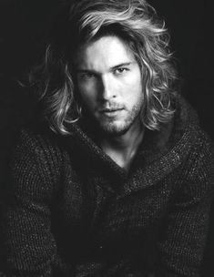 wavy-hairstyles-for-long-curly-hair-men.jpg (450×581)