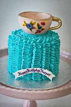 Seeing Harper's name every where these days.  another birthday cake option ... tea, anyone?