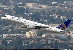 United Airlines N564UA Boeing 757-222 aircraft picture