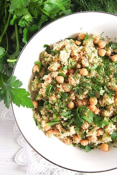 Super easy to make vegan bulgur wheat salad with chickpeas, parsley, dill and mint, aromatic side dish or light dinner. Ready in 10 minutes. Bulgur Recipes, Tajin Recipes, Couscous Recipes, Salad Recipes, Vegetarian Recipes, Healthy Recipes, Healthy Food, Vegan Food, Healthy Herbs