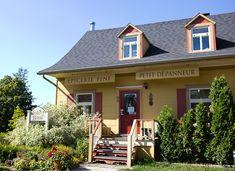 Bas Saint Laurent, Romance, Canada, Cabin, House Styles, Outdoor Decor, Summer, Travel, Home
