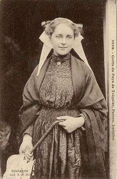 Femme de 1900 environ