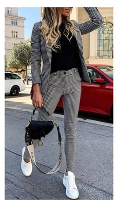 Casual Work Outfits, Mode Outfits, Classy Outfits, Stylish Outfits, Cute Office Outfits, Womens Business Casual Outfits, Winter Office Outfit, Ladies Outfits, Business Attire