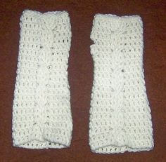 Fingerless gloves are all the rage, it seems.  My daughters can't seem to get enough pairs, and are always asking for more.  I wanted to cha...