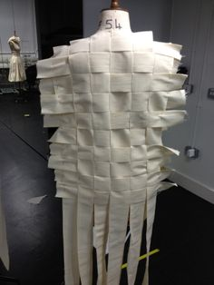 Draping on the stand - woven garment structure, bodice development - moulage; sewing; fashion design & construction