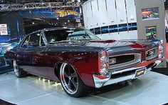 1966 Pontiac GTO picture, (What I wouldn't give to own and drive one of these beauties.)