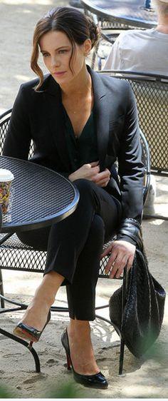 267116e388fc Who made Kate Beckinsale s black pumps and black woven handbag that she wore  on June Shoes – Christian Louboutin Purse – Bottega Veneta