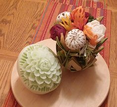 Honeydew melon by Timothy Thurn. See more at http://www.vegetablefruitcarving.com/blog/student-carvings-201-course/