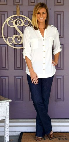 love this look (except the shoes), can never find a white button down that I like though! - SF