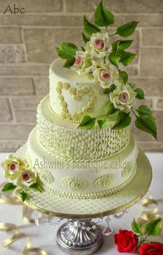 LoVe Blooms - Cake by Ashwini06