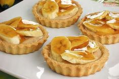 Mini Tortillas, Easy Desserts, Delicious Desserts, Yummy Food, Chilli Banana, Lemon Curd Pie, Cheesecakes, Blue Cakes, Banoffee