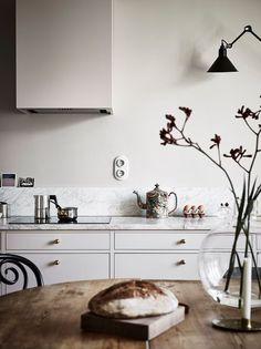 Home Decor Scandinavian .Home Decor Scandinavian Cozy Kitchen, New Kitchen, Kitchen Dining, Kitchen Decor, Kitchen Ideas, Kitchen Modern, Kitchen White, Kitchen Paint, Design Kitchen