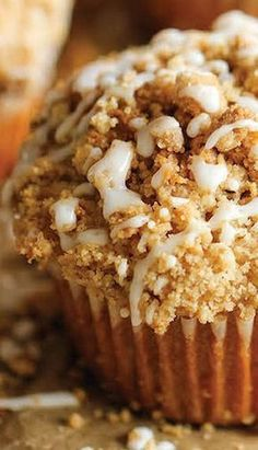 Coffee Cake Muffins The classic coffee cake is transformed into a convenient muffin, loaded with a mile-high crumb topping! - (RECORDED) The classic coffee cake is transformed into a convenient muffin, loaded with a mile-high crumb topping! Donut Muffins, Coffee Cake Muffins, Breakfast Muffins, Mini Muffins, Breakfast Recipes, Brunch Recipes, Muffin Recipes, Cake Recipes, Dessert Recipes