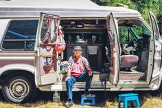 Inspiring Photos Reveal the Lives of People Living in Tiny Off ... Living In Car, Get Off The Grid, Photo Series, Fun At Work, Renewable Energy, Van Life, Solar Power, Vehicles, People