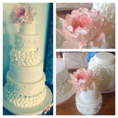 Wedding Cakes with oversized Peonies
