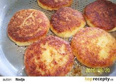 Sýrové karbanátky recept - TopRecepty.cz Russian Recipes, Griddle Pan, Muffin, Food And Drink, Veggies, Treats, Cooking, Breakfast, Ethnic Recipes