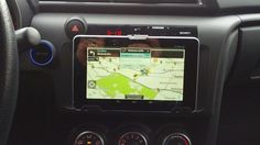 Mount a 7-Inch Tablet in your Car for Better Music, Navigation