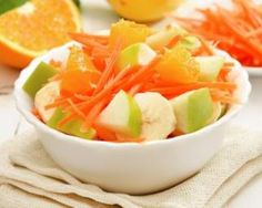 Carottes râpées aux fruits frais : http://www.fourchette-et-bikini.fr/recettes/recettes-minceur/carottes-rapees-aux-fruits-frais.html