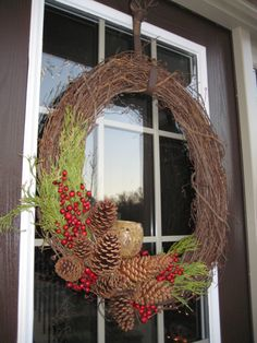 Pinecone wreath w votive