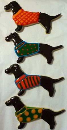 10 Dachshund wiener dog sweater cookies by TheShyCookie on Etsy, $25.00 #cheapcookiecutters
