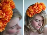 How to make an easy flower crown headband . Free tutorial with pictures on how to make a flower crown in under 40 minutes by decorating and jewelrymaking with hot glue gun, hair band, and fake flowers. Inspired by floral. How To posted by Hair Romance. Flower Crown Headband, Diy Headband, Floral Headbands, Marigold Wedding, Diy Accessoires, Hair Romance, Sugar Skull Design, Diy Crown, Floral Headpiece